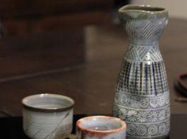 Học tiếng Nhật nên biết Nguyên tắc khi uống và phục vụ rượu sake Nhật Bản