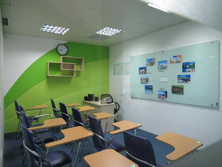 Phòng học được trang trí sinh động- tạo sự hứng thú học tập.