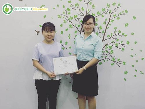 HCM-duong-thi-thanh-xuan-hoc-tieng-nhat-tai-jellyfish-education