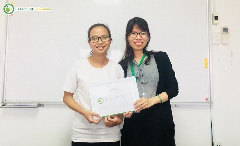 Bạn Lê Thị Thu Vân – Lớp N4 CT – CN Huế