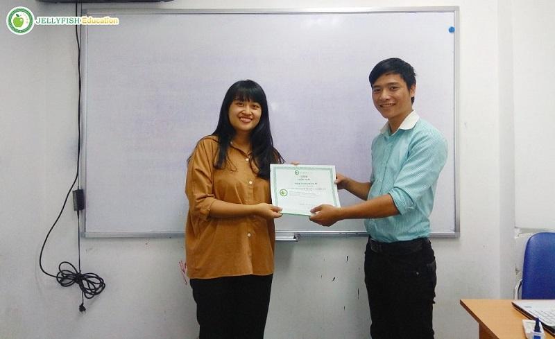Bạn Trần Kim Ngân – Lớp 105A – N5 – CN Đà Nẵng