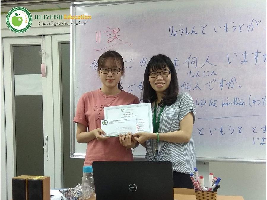 Bạn Nguyễn Thủy Tiên – Lớp N5A1 – CN Huế