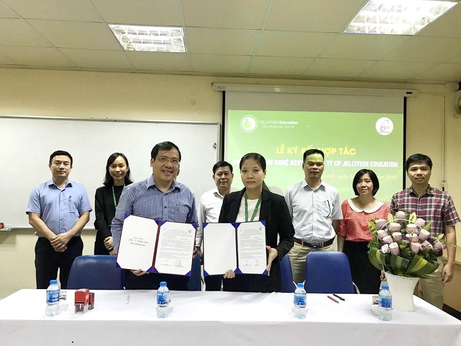 Jellyfish Education ký kết hợp tác đào tạo và cung ứng nguồn nhân lực với Học viện Công nghệ bưu chính viễn thông - Ảnh 1
