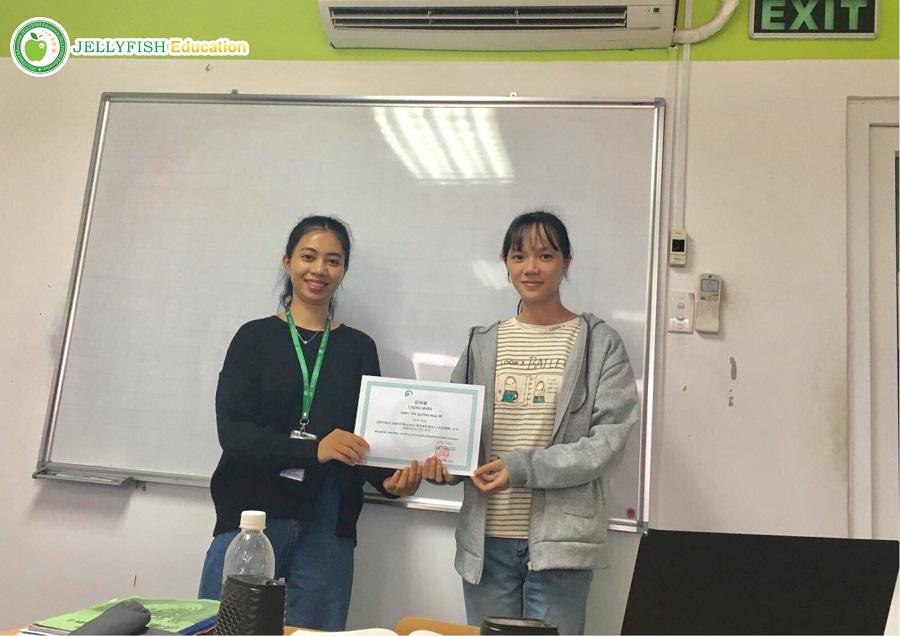 Bạn Đinh Thị Quỳnh Nga - Lớp N5CT - CN Huế