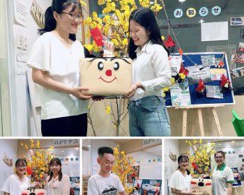 Tập thể CBNV và học viên Jellyfish ủng hộ đồng bào miền Trung